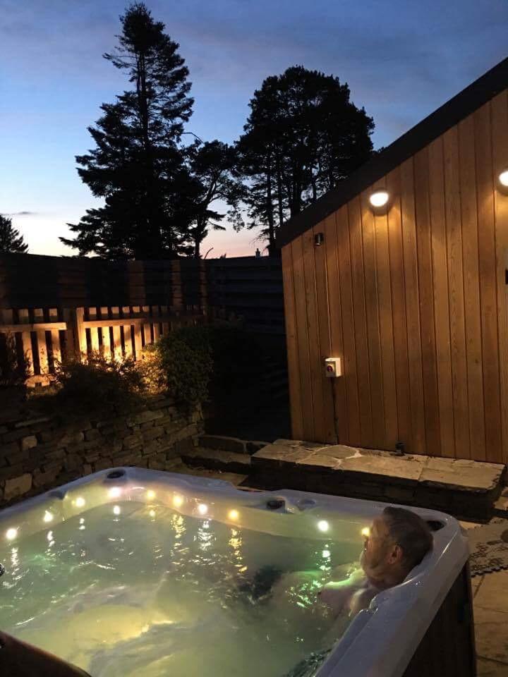 Pleasing Hillview Cottage Sleeps 14 Hot Tub Glenlivet Cairngorms Download Free Architecture Designs Estepponolmadebymaigaardcom
